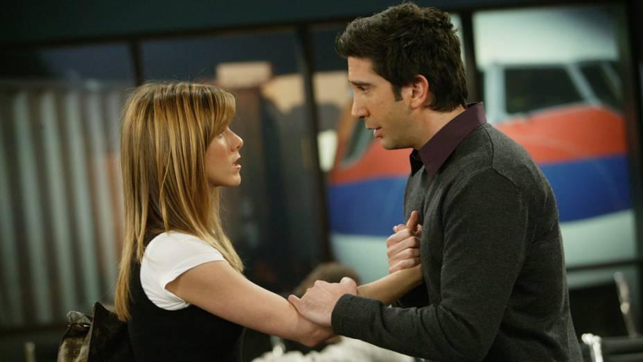 Rachel (Jennifer Aniston) e Ross (David Schwimmer) em um dos momentos finais da série, na décima temporada (2004)