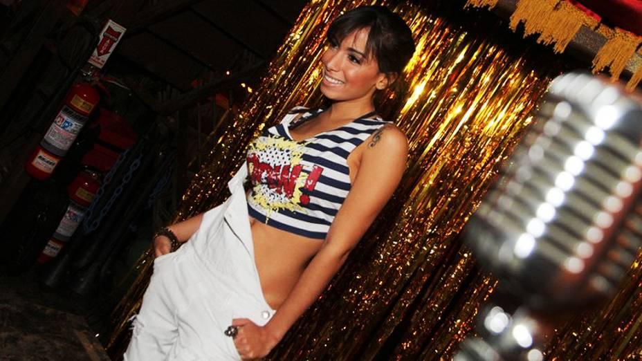Mc Anitta grava videoclipe da música Não Para, no Cabaret Lounge, em Botafogo
