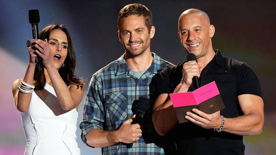 Jordana Brewster, Paul Walker e Vin Diesel na premiação MTV Movie Awards 2013, na Califórnia