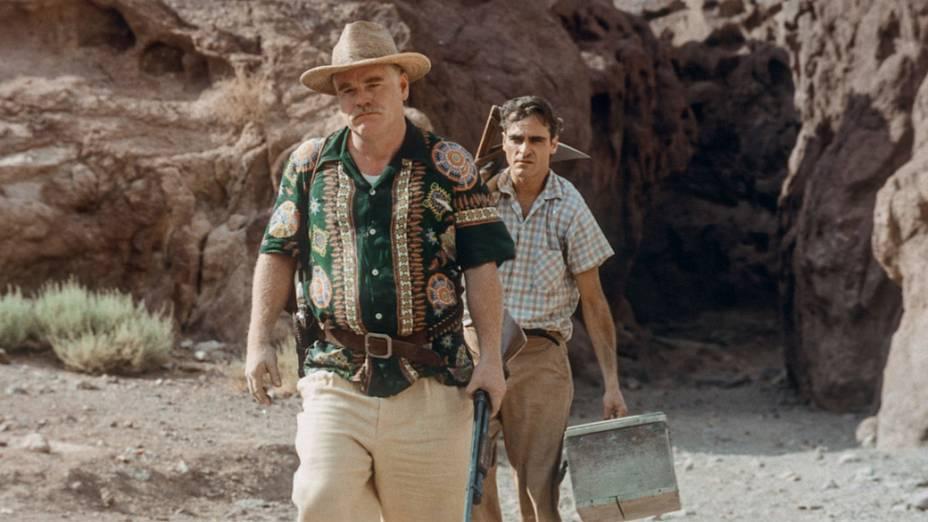 Philip Seymour Hoffman e Joaquin Phoenix no filme O Mestre, de Paul Thomas Andreson