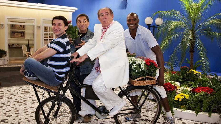 Tadeu Mello, Dedé Santana, Renato Aragão e Edson Jacaré no programa Aventuras do Didi