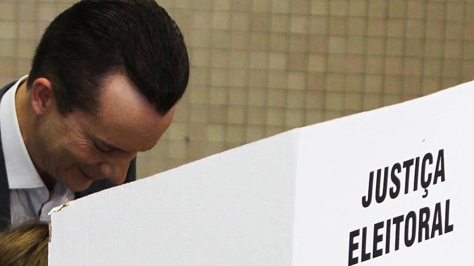 Candidato à prefeitura de São Paulo, Celso Russomanno (PRB), votou no Colégio Santo Américo, Vila Sonia, na zona sul da capital