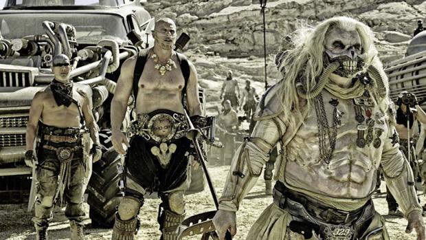 Cena do filme Mad Max: Estrada da Fúria