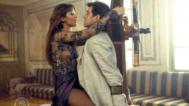 Cena do filme 007 - O Mundo Não É o Bastante (1999)