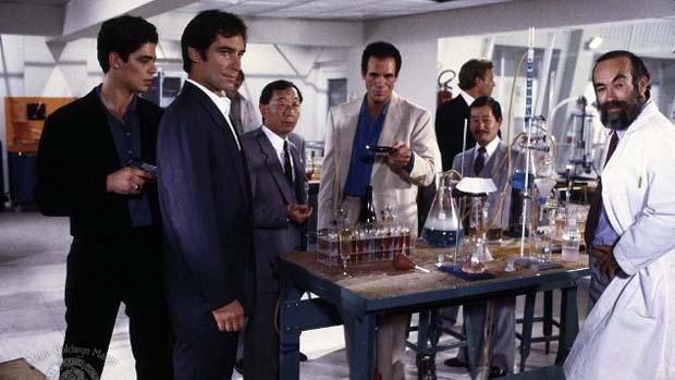 Cena do filme 007 - Permissão para Matar (1989), com Timothy Dalton