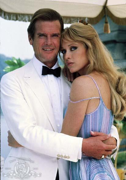Cena do filme 007 - Na Mira dos Assassinos (1985), último longa de Roger Moore na pele de 007