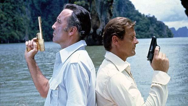 Cena do filme 007 contra o Homem com a Pistola de Ouro (1974)