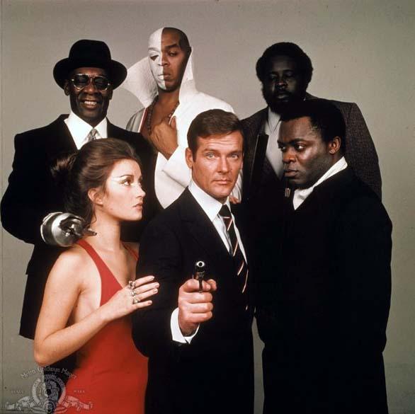 Cena do filme Com 007 Viva e Deixe Morrer (1973)