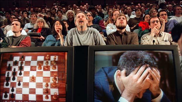 1997 - O supercomputador da IBM Deep Blue derrota o melhor jogador de xadrez do mundo, Garry Kasparov