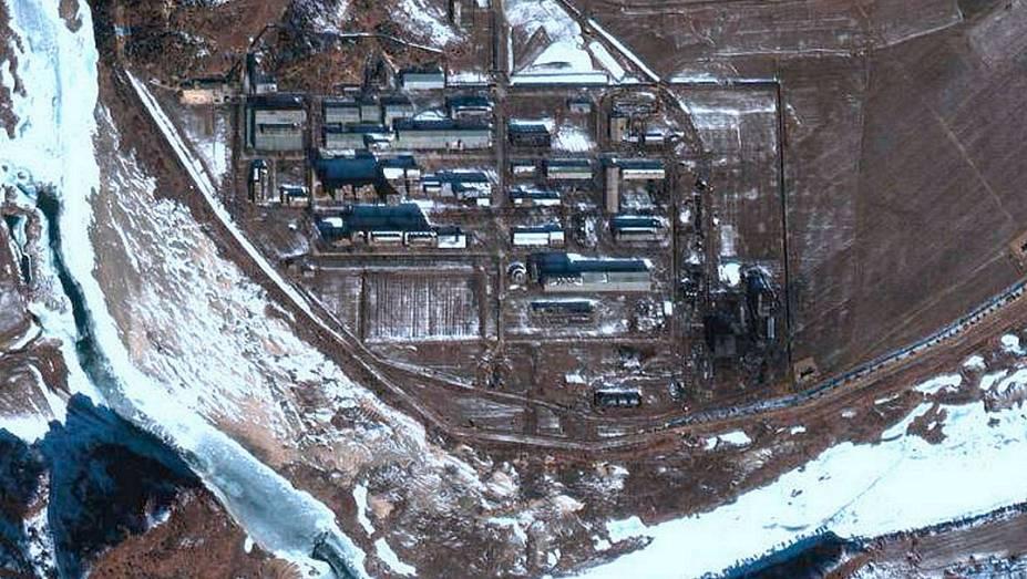 Imagem de satélite mostra  Centro de Pesquisas Nucleares de Yongbyon, que produziu material para os testes atômicos da Coreia do Norte