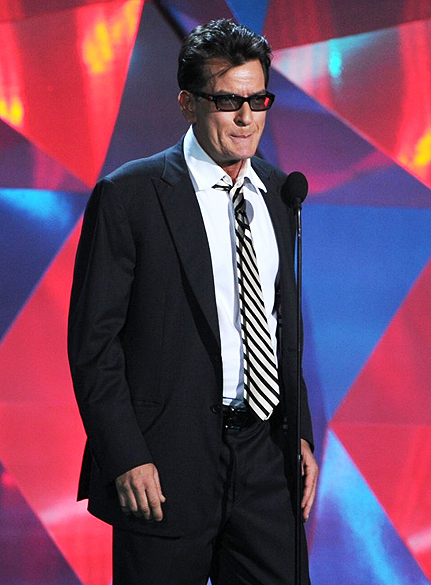 Charlie Sheen durante o MTV Movie Awards 2012