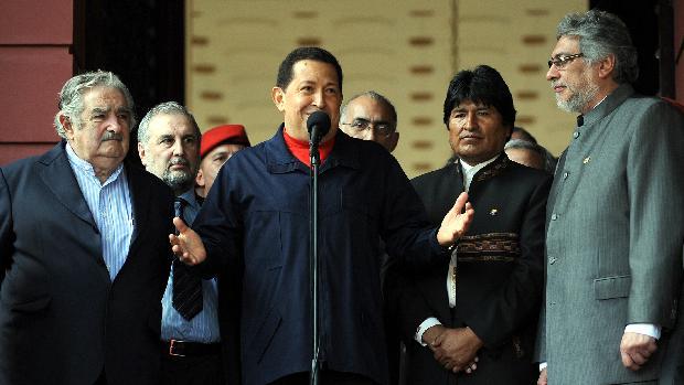 Chávez se reuniu com presidentes do Uruguai, Jose Mujica; da Bolívia, Evo Morales e do Paraguai, Fernando Lugo, no Palácio de Miraflores