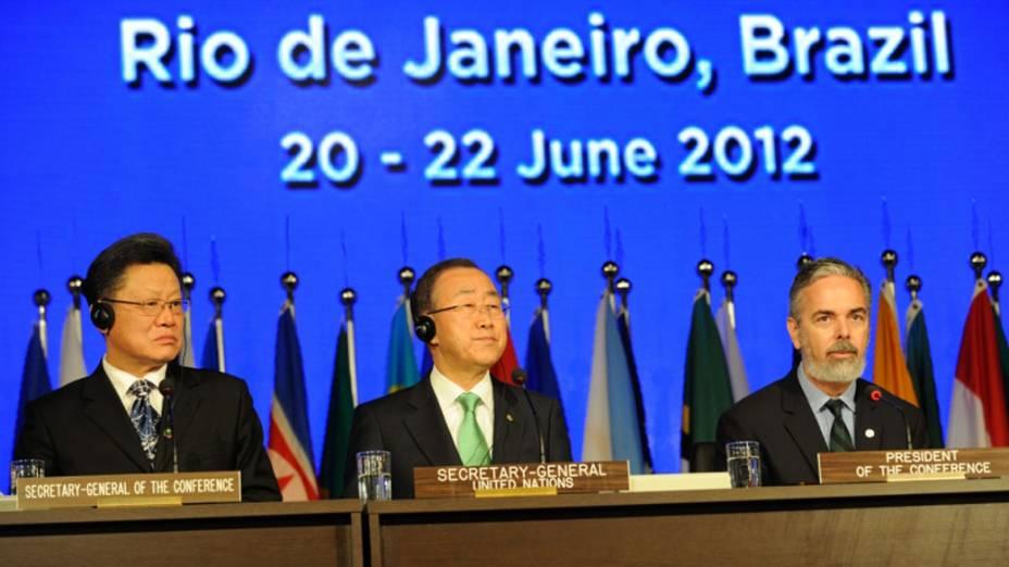 Secretário-geral da Rio+20, Sha Zukang, o secretário-geral das Nações Unidas, Ban Ki-moon, e o ministro das Relações Internacionais, Antonio Patriota, participam da primeira reunião plenária da Conferência das Nações Unidas sobre o Desenvolvimento Sustentável