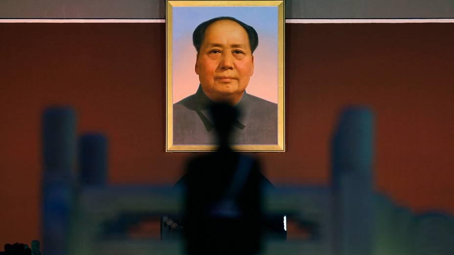 Imagem de Mao Tsé-tung no Grande Salão do Povo, onde é realizado o 18º Congresso Nacional do Partido Comunista da China