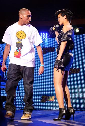 O rapper assumiu o namoro com a também cantora Rihanna, em 2008.