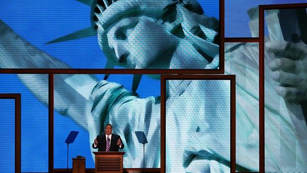 O republicano Chris Christie, governador de Nova Jersey, discursa durante a Convenção Republicana
