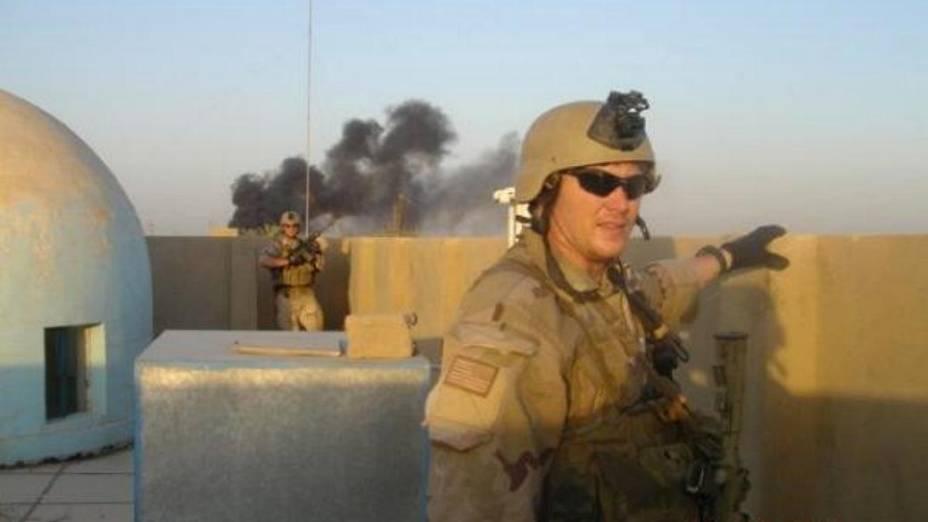 Chris Kyle em ação na cidade de Ramadi, Iraque
