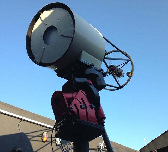 Telescópio que registrou o aparecimento do cometa C/2014 A4 SONEAR