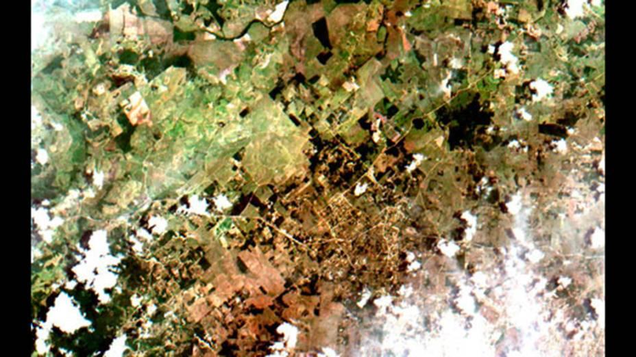 Primeiras imagens da câmera multiespectral brasileira MUX, a bordo dosatélite CBERS-4, mostram a região de Armação de Búzios, no Rio de Janeiro