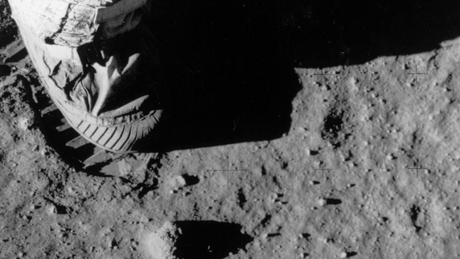 <p>O astronauta Buzz Aldrin deixa uma pega na superfícia da Lua durante a missão Apollo 11, em 1969</p>