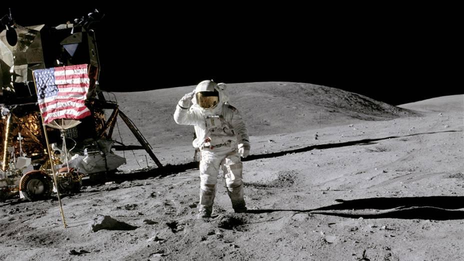 <p>Missão Apollo 16 na Lua, em 1972</p>