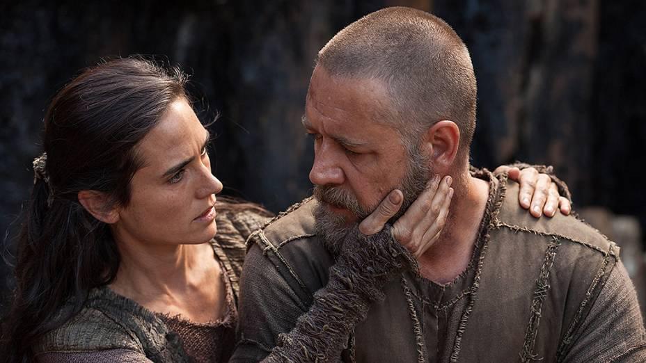 A atriz Jannifer Connelly e Russel Crowe em cena do filme Noé