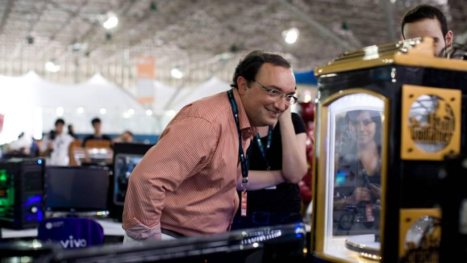 Claudio Pinhanez, pesquisador da IBM, no segundo dia da Campus Party no Parque Anhembi, São Paulo