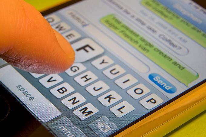 Empresas têm gastos com mensagens SMS
