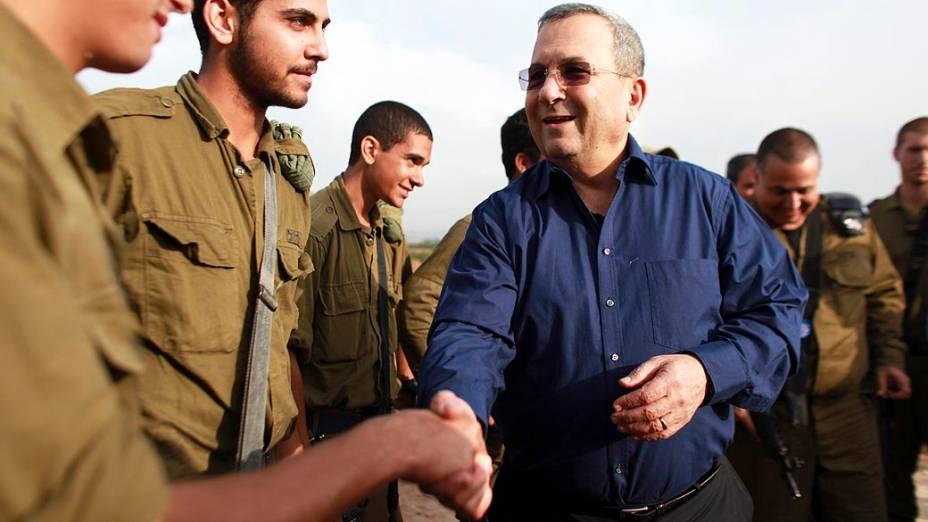 Ehud Barak, ministro da defesa israelense , durante coletiva de imprensa no Domo de Ferro