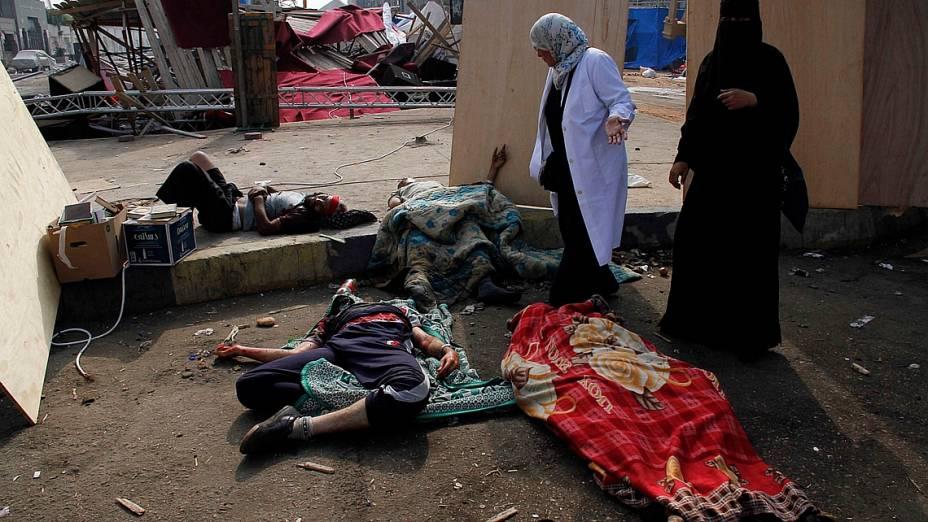 Corpos deixados em acampamento após operação da polícia para dispersar manifestantes