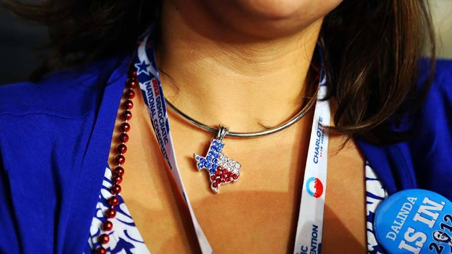 Representante do Texas no primeiro dia da Convenção Nacional Democrática em Charlotte, Estados Unidos