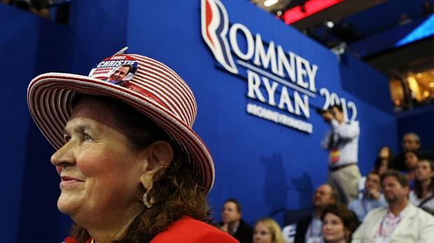 Eleitora republicana participa da convenção do partido na Flórida