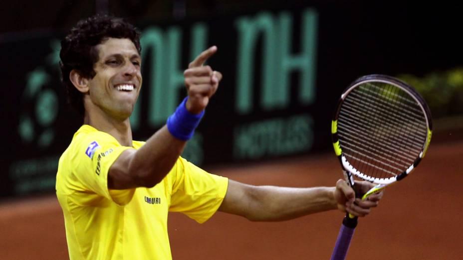 O brasileiro Marcelo Melo comemora vitória em partida da Copa Davis de tênis