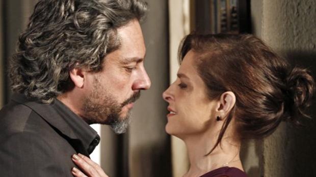 José Alfredo (Alexandre Nero) e Cora (Drica Moraes) em Império