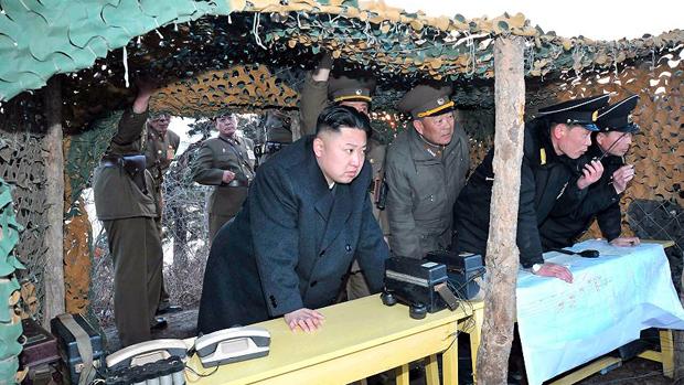 Kim Jong-un acompanha exercícios militares