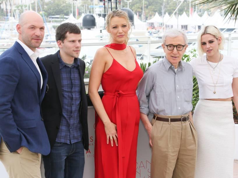 Corey Stoll, Jesse Eisenberg, Blake Lively, Woody Allen e Kristen Stewart no lançamento de Cafe Society na 69ª edição do Festival de Cannes