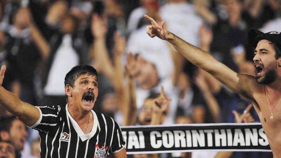 Torcedores durante jogo do Corinthians contra Boca Juniors, pela copa Libertadores, no estádio Pacaembu em São Paulo
