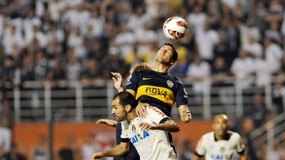 Dividida durante jogo entre Corinthians e Boca Juniors, pela copa Libertadores, no estádio Pacaembu em São Paulo