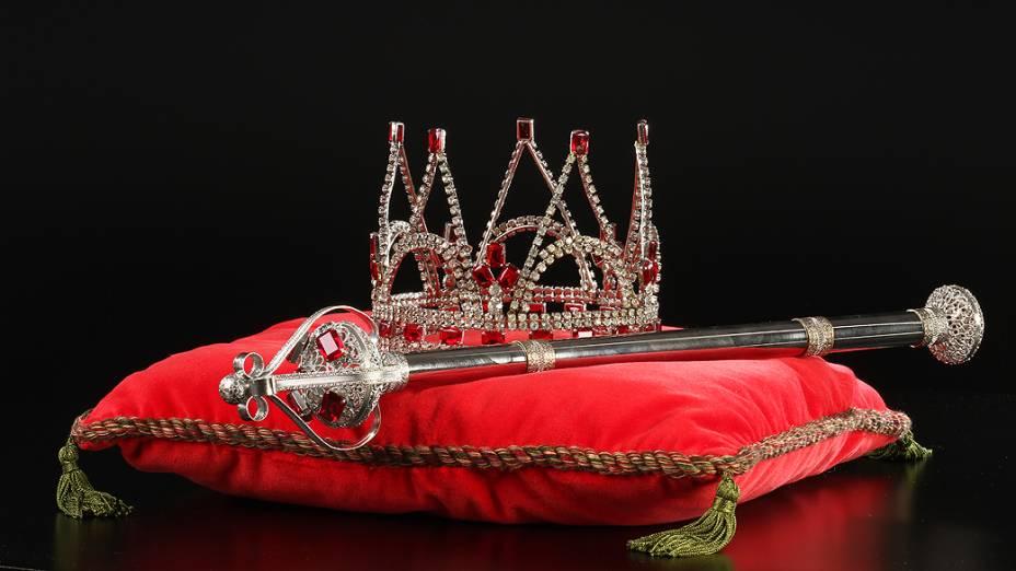 Objetos do acervo pessoal de Pelé no livro As joias do rei, de Celso de Campos Jr.