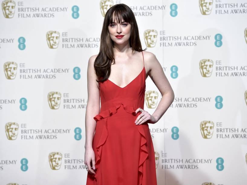 Dakota Johnson foi uma das apresentadoras da premiação britânica BAFTA 2016, que aconteceu em Londres
