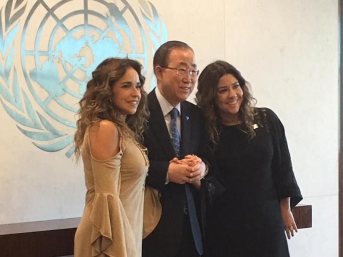Daniela Mercury, Ban Ki-moon e Malu Verçosa na sede mundial da ONU, em Nova York