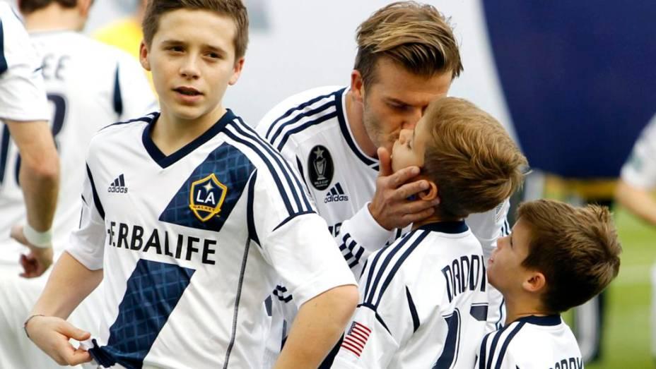 David Beckham é criticado por filha usar chupeta