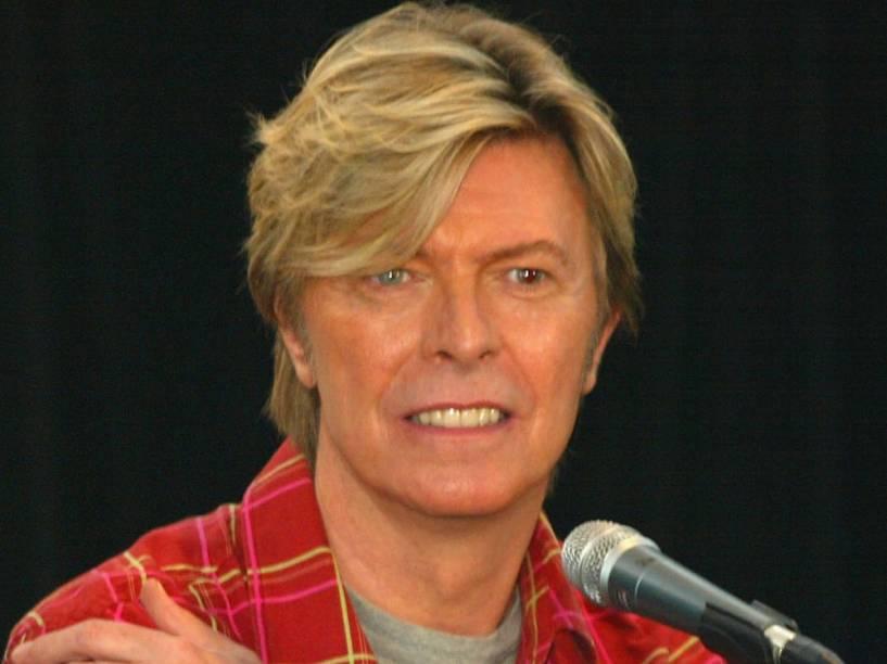David Bowie durante coletiva de imprensa na Australia, em 2003