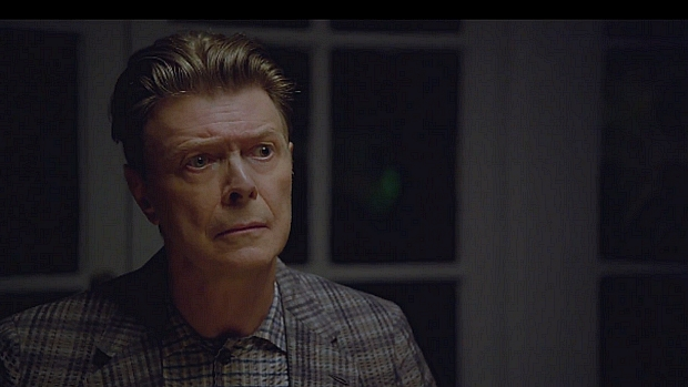 David Bowie no clipe de The Stars (Are Out Tonight)