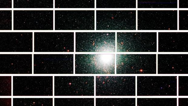 Imagem do centro do aglomerado estelar 47 Tucanae, situado a 17.000 anos-luz da Terra, capturada pela Câmera de Energia Escura