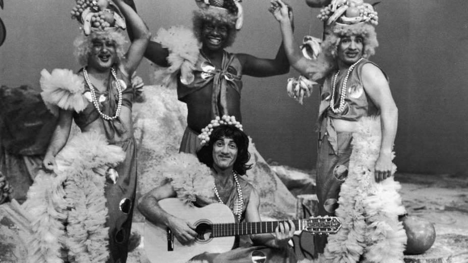 """Zacarias, Mussum, Dedé e Renato Aragão no programa """"Os trapalhões"""", 1976"""