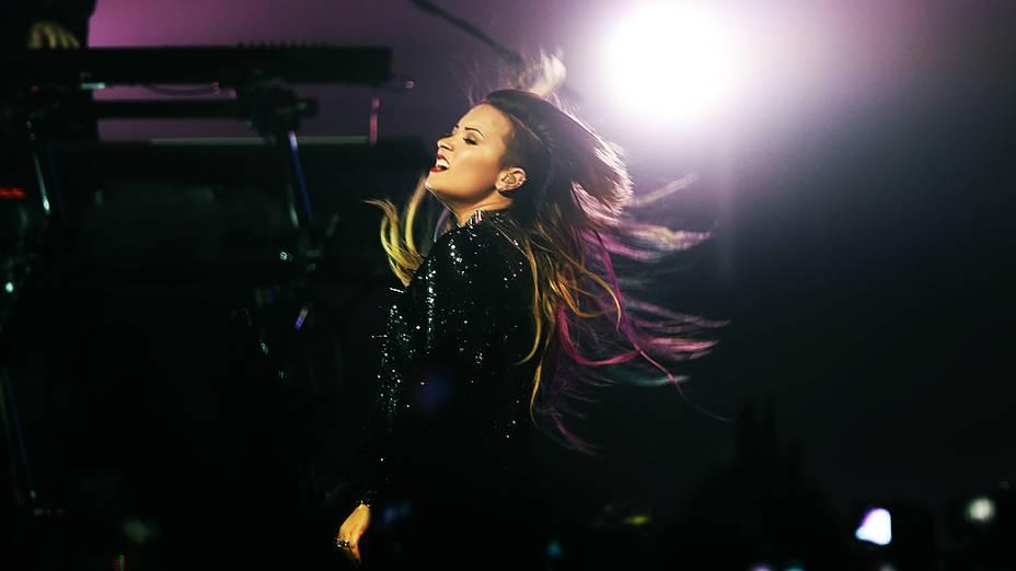 A cantora norte-americana, Demi Lovato abriu a turnê Neon Lights com show em SP, no Citibank Hall