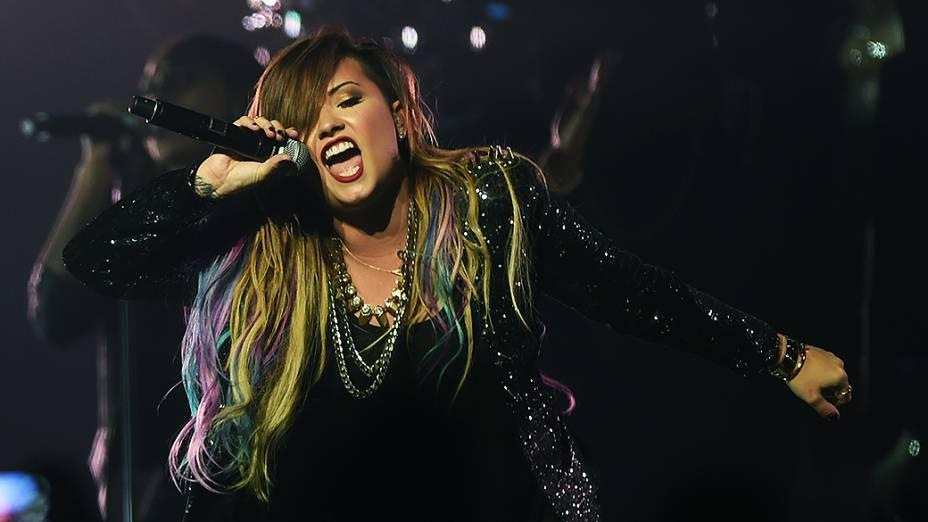 A cantora norte-americana, Demi Lovato abriu a turnê Neon Lights com show em SP,no Citibank Hall