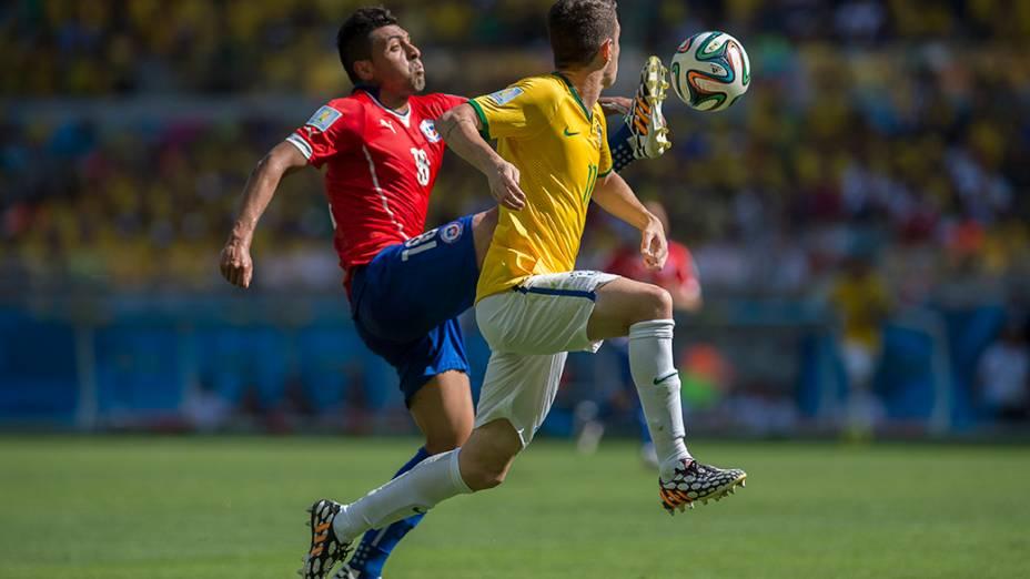 Lance no jogo entre Brasil e Chile no Mineirão, em Belo Horizonte