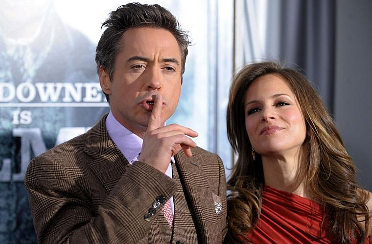 Ao lado de Susan Downey, na estreia de <em>Sherlock Holmes</em>, em Nova York.